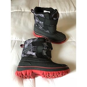 Cat & Jack Boys Black Snow Boots - Like New